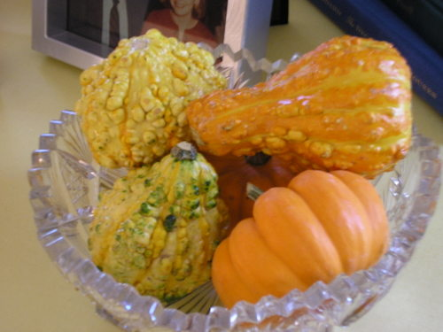 Gourds_in_crystal_bowl