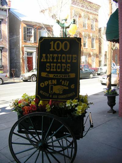 Antiques_sign_2