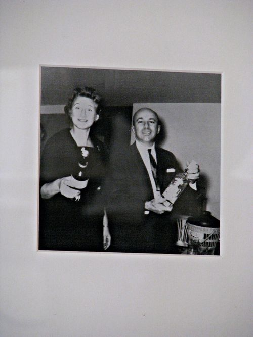 Wine display - g&g wise