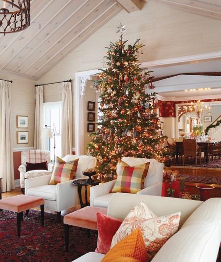 Sarah's Liv Rm @ Christmas - Canadian Home & Interiors