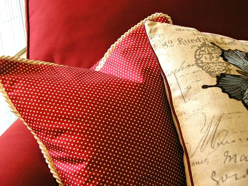 Pillow in red