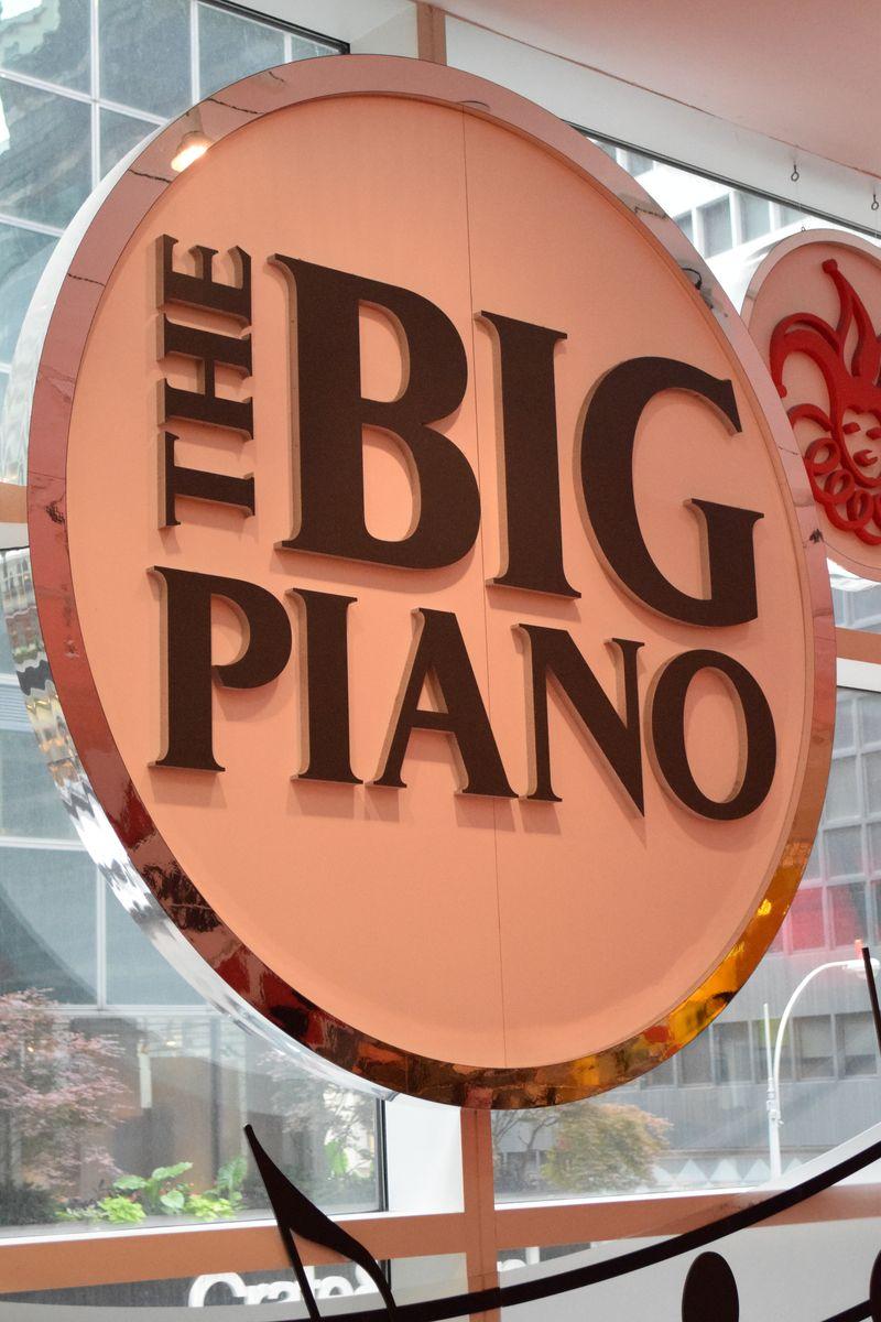 Big Piano FAO Schwartz