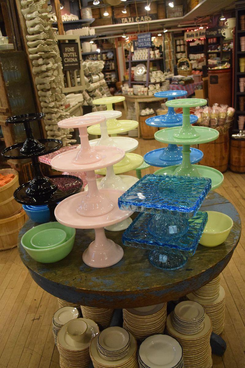 Cake Plates at Fishs Eddy