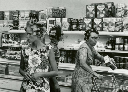 Grocery-shopping-1960s-photo-u1