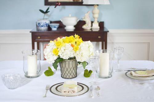 Yellow and White Tablescape  (1)
