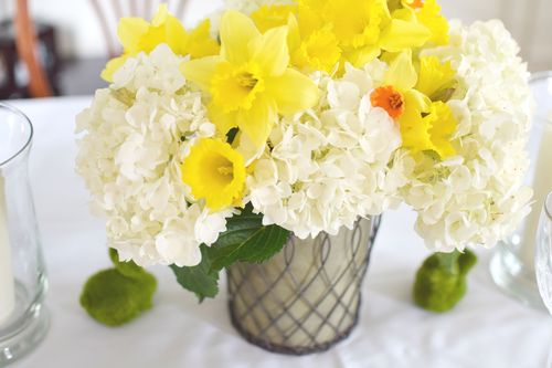 Yellow and White Tablescape  (2)