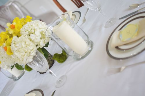 Yellow and White Tablescape