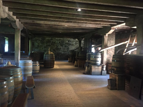 Washingtons distillery - leslie