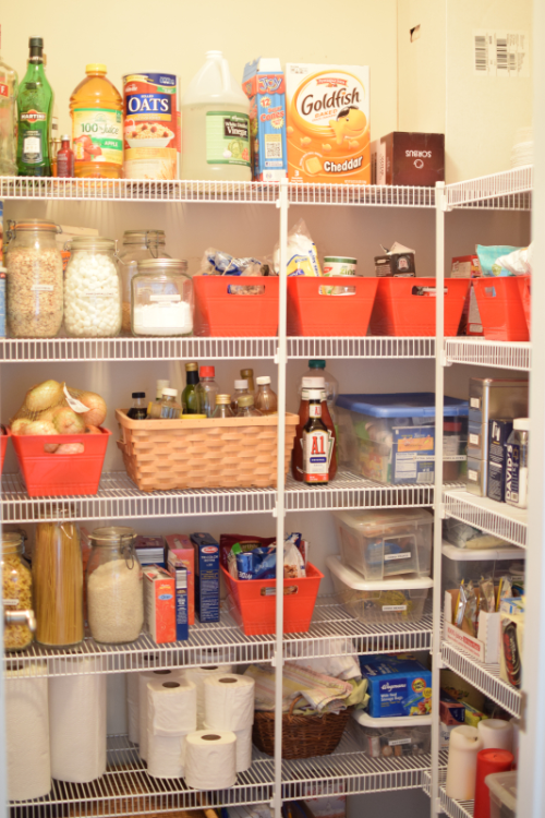 Pantry Before (11)