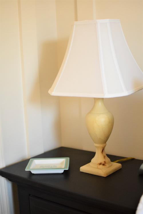 Yellow Guest Bedroom Alabaster Lamp