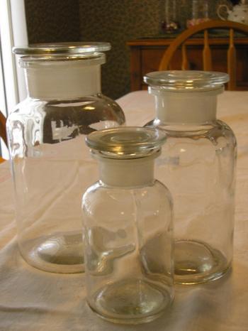 Apothecary_jars